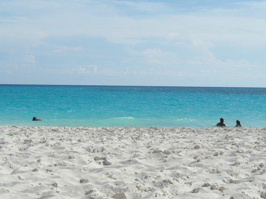 Sol Cayo Largo: Spiaggia del villaggio
