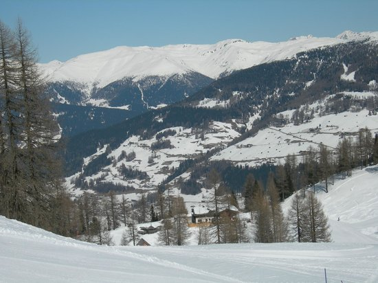 Rifugio Croda Rossa - Rotwandwiesenhutte : Croda Rossa vista dalla cima skilift