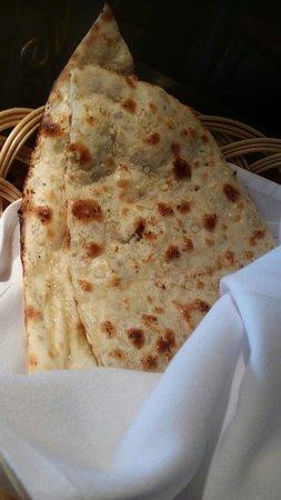 Asha's: Garlic naan: very good.. not too oily..