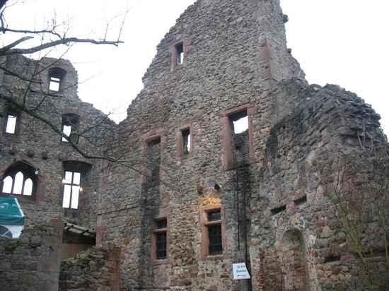 Windeck Castle: Remaining Castle Wall