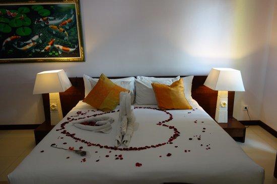 Jimbaran Cliffs Private Hotel & Spa: bed
