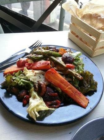 Dek Condesa: Deck Terazza Urbana:Grilled vegetable salad