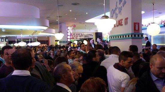 Tommy Mel´s Alcalá de Henares : Día de la inauguración