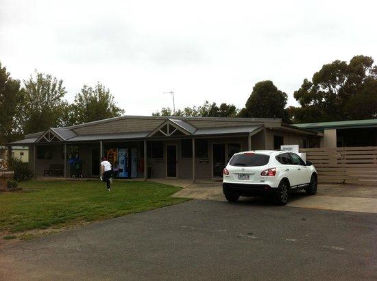 Gateway Lifestyle Ballarat: surrounds