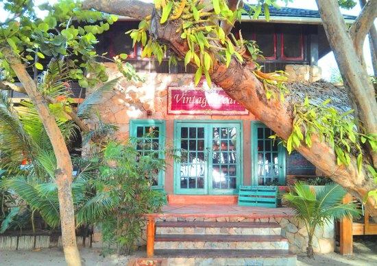 Vintage Pearl Restaurant and Wine Cellar