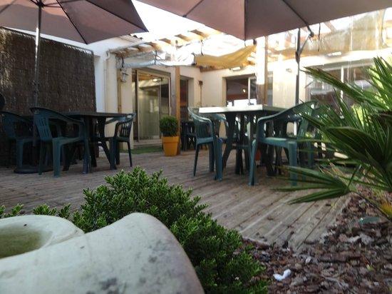 Le Patio : La terrasse