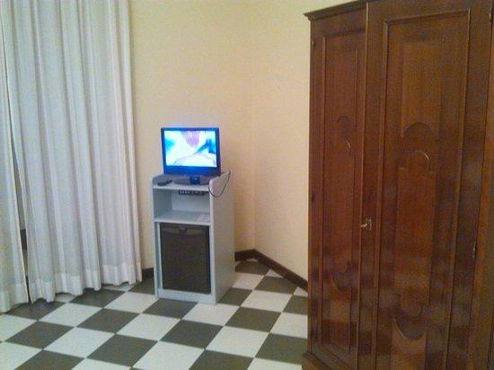 Hotel Stabia: Televisore