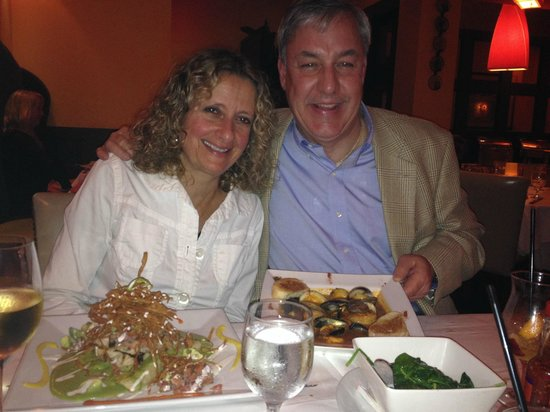 Cabana Restaurant: Our friends with their beautiful dinner plates
