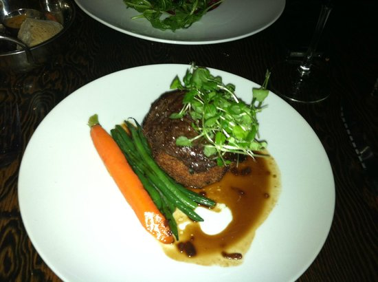 La Gueule de Bois : Perfectly Cooked Elk Filet