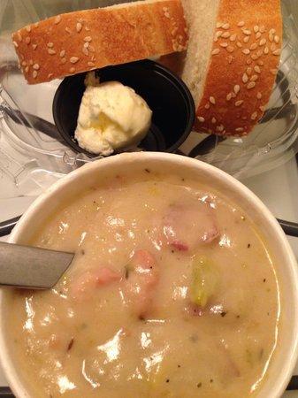 Rosine's Restaurant : clam chowder