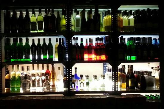 Speakeasy Restaurant: Photo of speakeasy Dry Martini taken with TripAdvisor City Guides