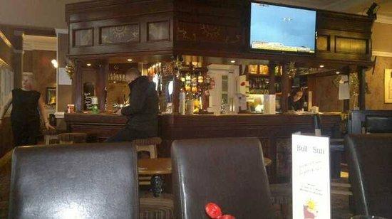 Bull and Sun Public House & Restaurant: Quiet bar - good food