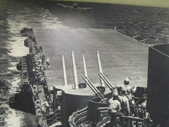 Patriots Point Naval & Maritime Museum: Yorktown sees action