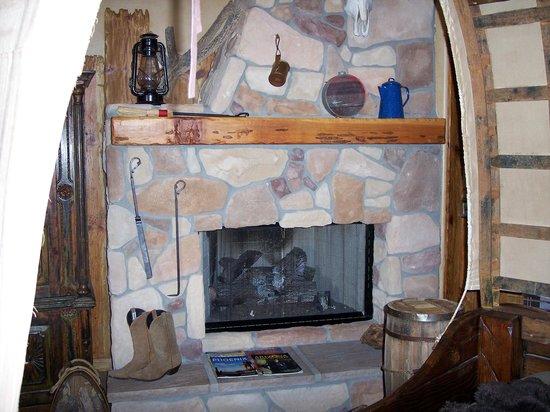 Adobe Grand Villas: Fireplace