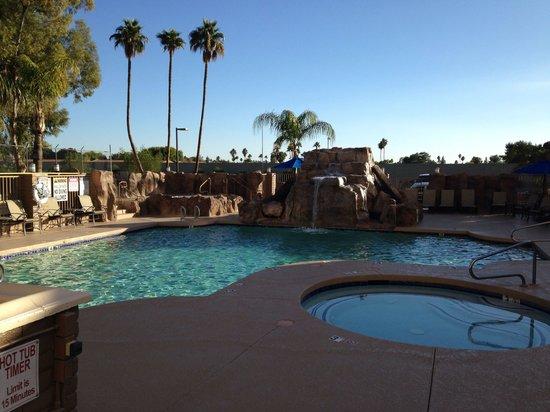 Hilton Phoenix/ Mesa : Mesa Hilton poolside