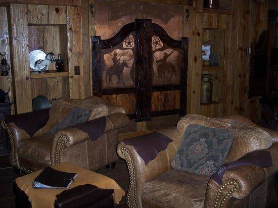 Adobe Grand Villas: Sitting area