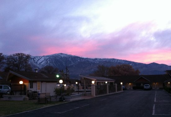 Best Western Plus Frontier Motel: Sunrise
