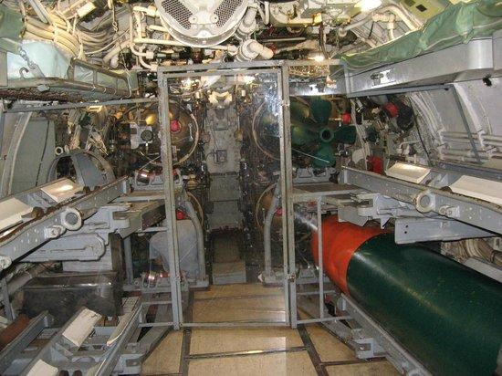Patriots Point Naval & Maritime Museum: Torpedo Room and Crews' Quarters, submarine Clamagore