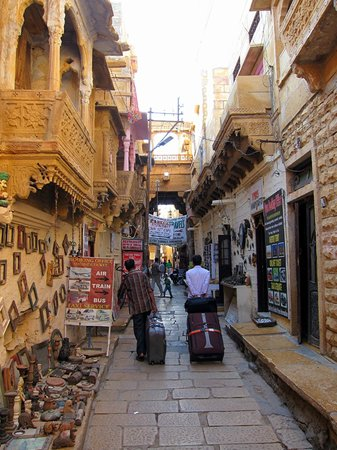 Jaisal Castle : Up the Alleys to the Hotel