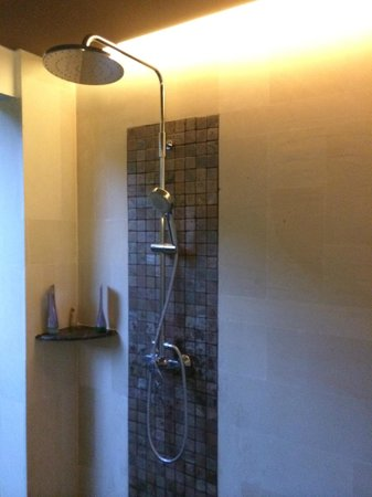 Kejora Suites: Signature Suite - rain shower