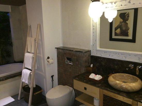 Kejora Suites: Signature Suite bathroom