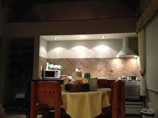 El Nautico Bungalows & Suites: Comedor de noche