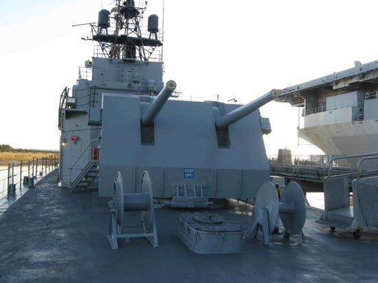 Patriots Point Naval & Maritime Museum: 5 Inch Guns, Laffey