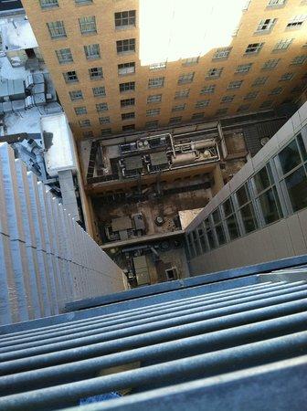 Kimpton Hotel Palomar San Diego: Balcony 1 looking down