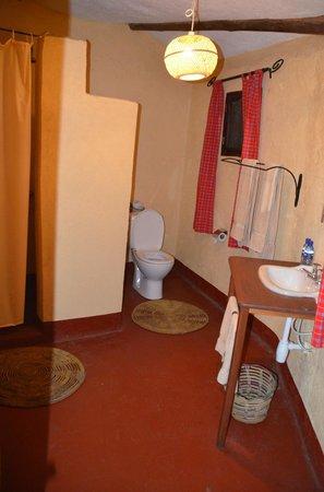 Nsya Lodge & Camp : Baño de la habitación
