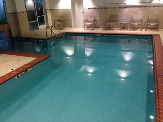 SpringHill Suites Nashville MetroCenter: Heated pool