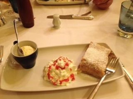 Restaurant Der Kuckuck: Apfelstrudel