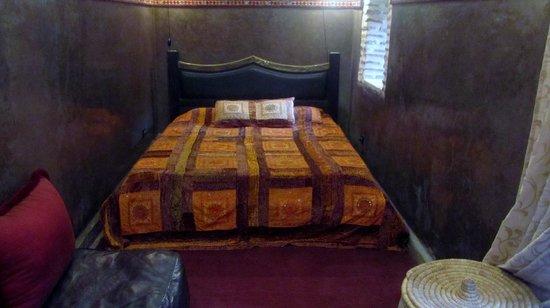 Dar Abiad : Bedroom