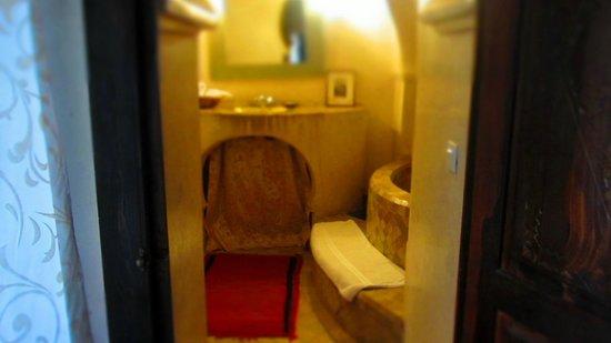 Dar Abiad : Bathroom