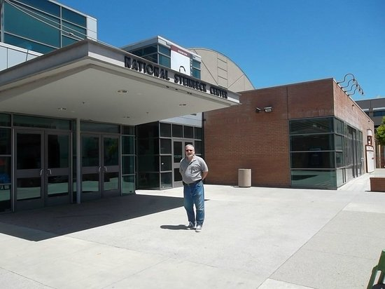 National Steinbeck Center: A beautiful day and a nice educational tour...