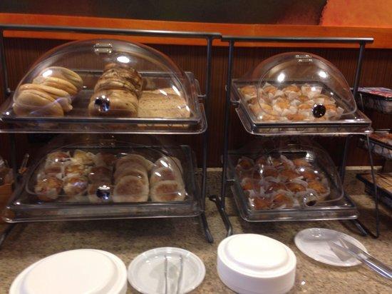 Fairfield Inn & Suites Richmond Short Pump/I-64: Breakfast