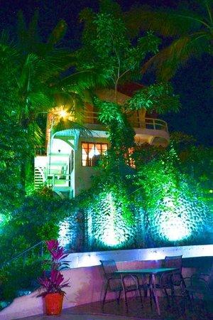Hotel La Colina: Ocean View Building