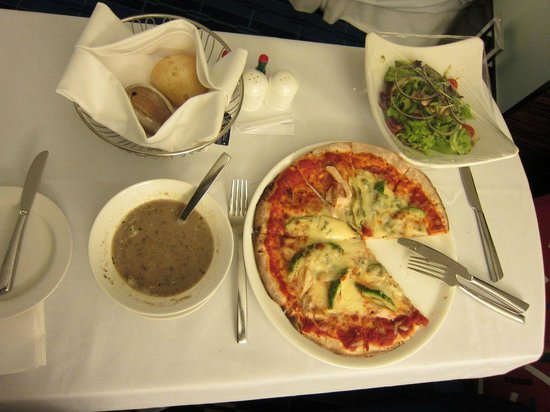 Hong Kong SkyCity Marriott Hotel: Room service late night dinner.