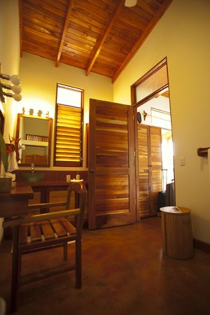 Costa Rica Yoga Spa: Incredibly huge bathroom - Harmony Suite