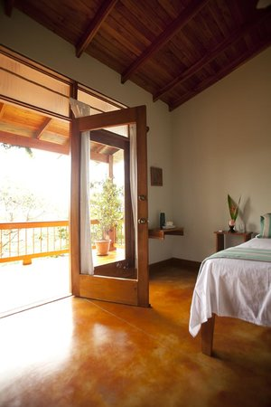 Costa Rica Yoga Spa: Harmony suite - leads out to balcony overlooking jungle