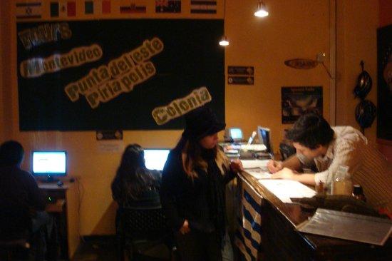Che Lagarto Hostel Montevideo: Recepção
