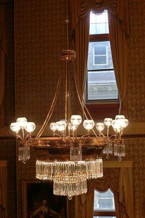 Legislative Assembly Building: dont fear the chandelier