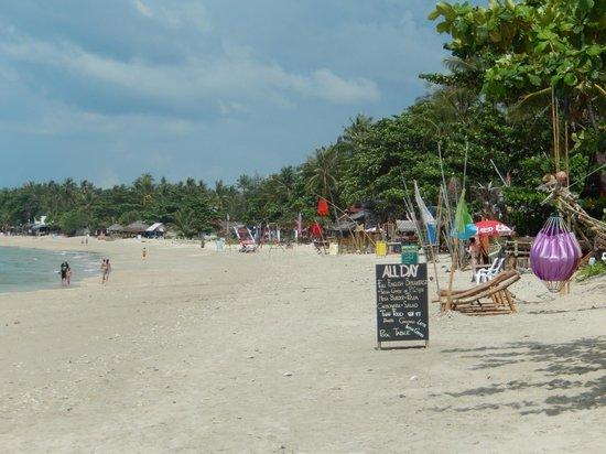 Lanta Pavilion Resort: Beach view