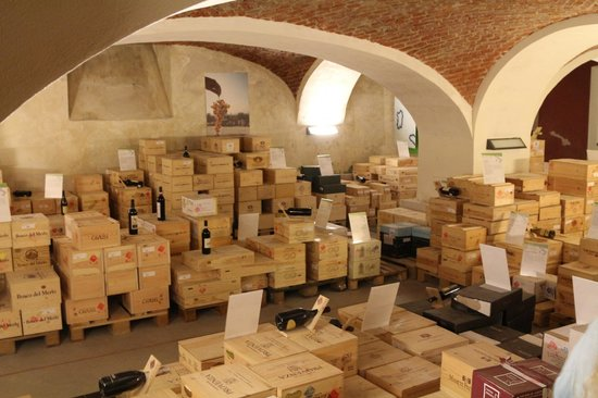 Albergo dell'Agenzia: The wine cellar