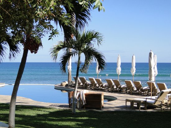 Cabo Surf Hotel: One of the pools.