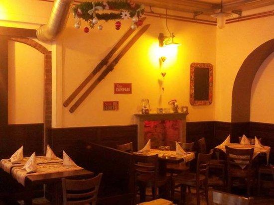 River Pub & Pizzeria Central: Saletta River Pub