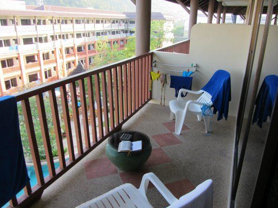 Kata Sea Breeze Resort: лоджия 4 этажа