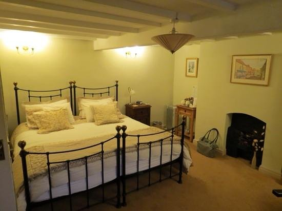 The Gallery Bed & Breakfast: our room, the Gallery, Thirsk