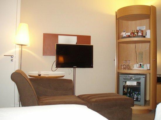 Sheraton Paris Airport Hotel & Conference Centre: Room 339