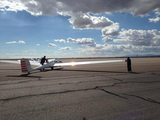Sundance Aviation Glider Rides: Prepping for the flight. October 26, 2013