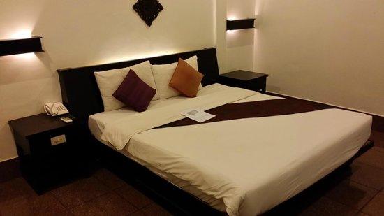 The Moon Boutique Hotel: lit king size